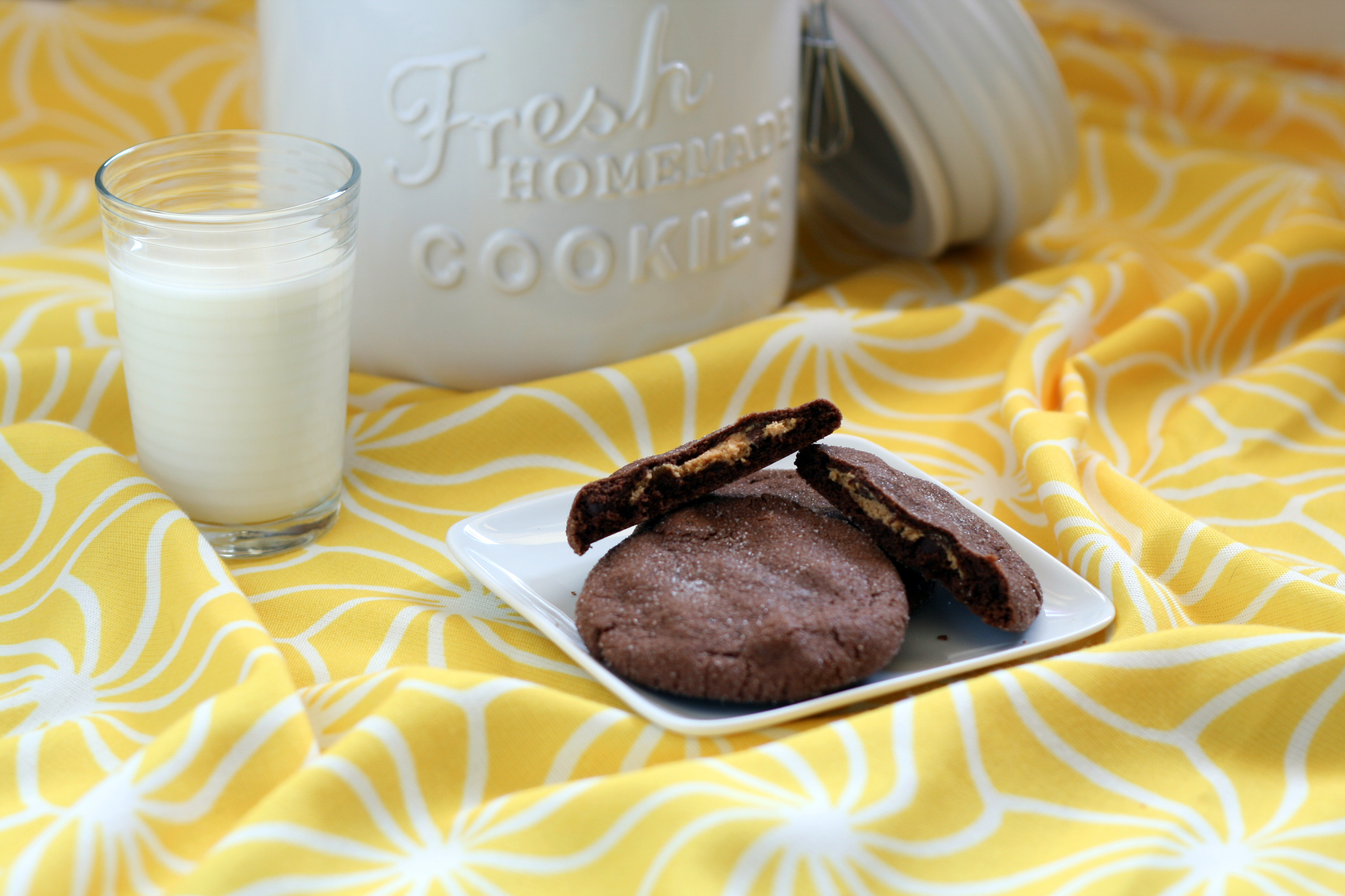 Magic-in-the-Middle Cookies (Peanut-Butter-Stuffed Chocolate Cookies ...